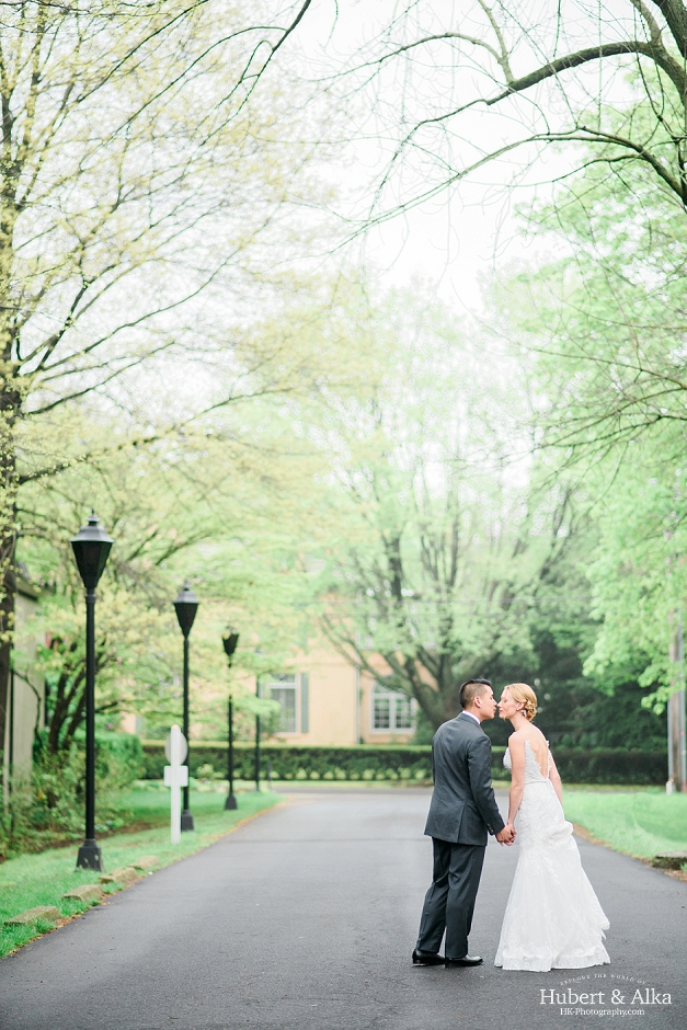 new haven lawn club spring rainy day connecticut wedding photography, beautiful wedding photos