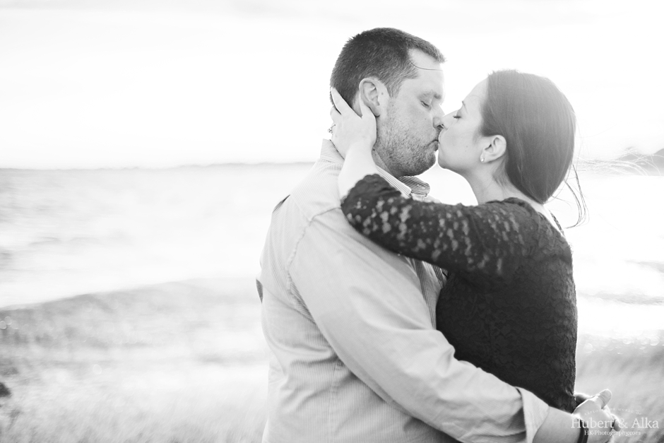 silver sands milford connecticut engagement shoot hubert alka hk-photography
